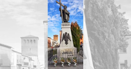 OFRENDA FLORAL ESTATUA SAN JUAN DE LA CRUZ